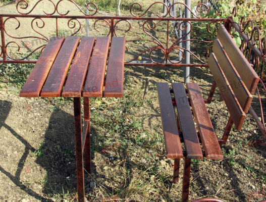 Masa si scaun din lemn