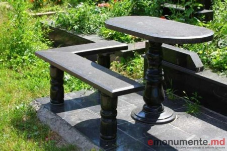 masa si scaun din granit